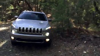 2018 Jeep Cherokee Limited TV Spot, 'What It Takes:Go Anywhere' [T2] - Thumbnail 7