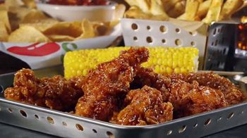 Chili's Chicken Crispers TV Spot, 'Crispy and Saucy'