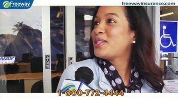 Freeway Insurance TV Spot, 'Por el precio' [Spanish] - Thumbnail 2