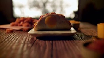 Taco Bell Naked Egg Taco TV Spot, 'Out of the Shell' - Thumbnail 2