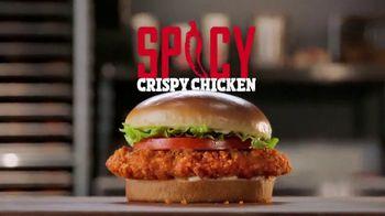 Burger King 2 for $6 TV Spot, 'El Spicy Crispy Chicken' [Spanish] - Thumbnail 2