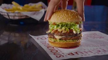 Red Robin Taco Tavern Double TV Spot, 'Guacamole y salsa' [Spanish] - Thumbnail 2