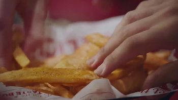 Red Robin Taco Tavern Double TV Spot, 'Guacamole y salsa' [Spanish] - Thumbnail 7