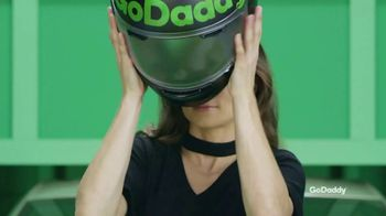 GoDaddy TV Spot, 'Haz que tu idea sea real' con Danica Patrick [Spanish] - Thumbnail 1