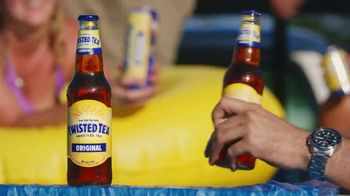 Twisted Tea Original Hard Iced Tea TV Spot, 'Pool' Song by Dierks Bentley - Thumbnail 7