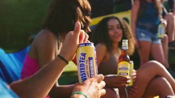 Twisted Tea Original Hard Iced Tea TV Spot, 'Pool' Song by Dierks Bentley - Thumbnail 8