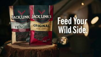 Jack Link's Beef Jerky TV Spot, 'Runnin' With Sasquatch: Glamping' - Thumbnail 9