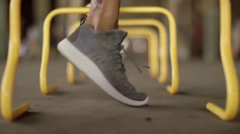 SKECHERS SportKnits TV Spot, 'Breathable and Lightweight' - Thumbnail 6