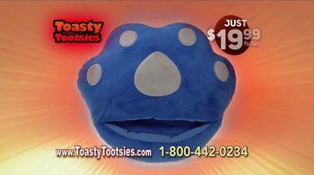 Toasty Tootsies TV Spot, 'Keep Your Tootsies Warm for Hours' - Thumbnail 7