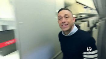 Japan Airlines TV Spot, 'Being Punctual' Featuring Jonathan Adler - Thumbnail 4