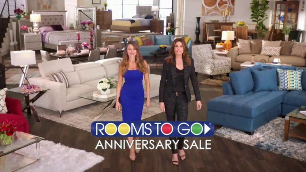 Rooms to Go Anniversary Sale TV Commercial, 'Two Great Collections