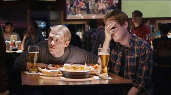 Buffalo Wild Wings TV Spot, 'Stranger' - Thumbnail 4
