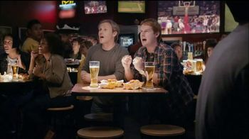 Buffalo Wild Wings TV Spot, 'Stranger' - Thumbnail 5