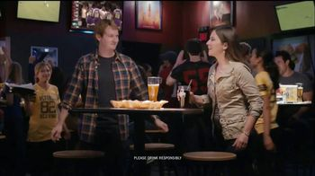 Buffalo Wild Wings TV Spot, 'Stranger' - Thumbnail 8