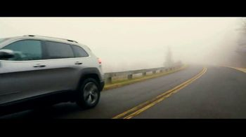 2019 Jeep Cherokee TV Spot, 'World Comes With It' [T1] - Thumbnail 10