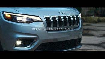 2019 Jeep Cherokee TV Spot, 'World Comes With It' [T1] - Thumbnail 5