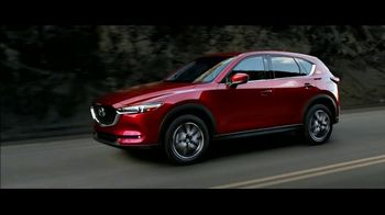 2017 Mazda CX-5 TV Spot, 'Beauty' [T1] - Thumbnail 8