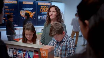 Boost Mobile TV Spot, '¿Tu familia está lista para el switch?' [Spanish]