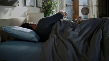 Tempur-Pedic Veterans Day Event TV Spot, 'Sleep Hard' Featuring Andy Stumpf - Thumbnail 4