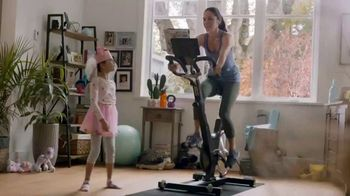 Toys R Us Holiday Catalog TV Spot, 'Exercise' - Thumbnail 5