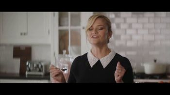 Crate and Barrel TV Spot, 'Perfect Party' Featuring Reese Witherspoon - Thumbnail 7