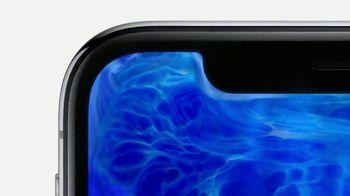 Apple iPhone X TV Spot, 'Está aquí' canción de Sofi Tukker [Spanish] - Thumbnail 4