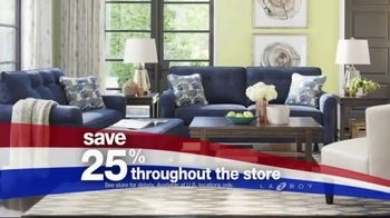 La-Z-Boy Red, White & Blue Sale TV Spot, 'Veterans Day Savings' - Thumbnail 3