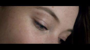 Burt's Bees All-Natural Lipstick TV Spot, 'Not Synthetic' - Thumbnail 1