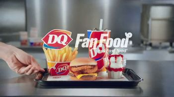 Dairy Queen Western BBQ Bacon Cheeseburger $5 Buck Lunch TV Spot, 'Go West' - Thumbnail 9