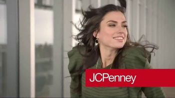 JCPenney TV Spot, 'It's Getting Colder' - Thumbnail 1