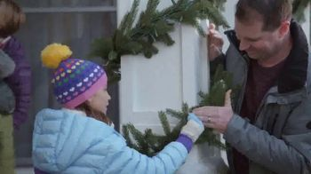 Lowe's TV Spot, 'The Moment: Snowman' - Thumbnail 7