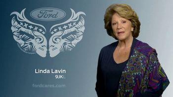 Ford Warriors in Pink TV Spot, 'No Boundaries' Featuring Linda Lavin - Thumbnail 1