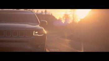 Jeep Compass TV Spot, 'Recalculating: VIP Suite' [T1] - Thumbnail 6