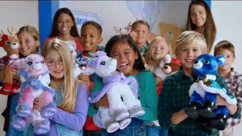 Build-A-Bear Workshop TV Commercial, 'Join the Merry Mission!'