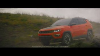 Jeep Celebration Event TV Spot, 'Traffic Jam' [T1] - Thumbnail 4
