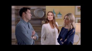 La-Z-Boy Double Discount Days TV Spot, 'Best of Both' Feat. Brooke Shields - 1841 commercial airings