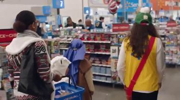 Walmart TV Spot, 'Get Treated Like a Rock Star' Song by The Staple Singers - Thumbnail 4