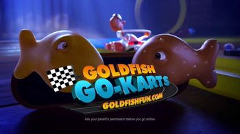 Goldfish Flavor Blasted Xtra Cheddar TV Spot, 'Go-Karts: Retainer' - Thumbnail 8