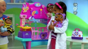 Doc McStuffins Baby All-in-One Nursery TV Spot, 'Toy Baby Checkup' - Thumbnail 9