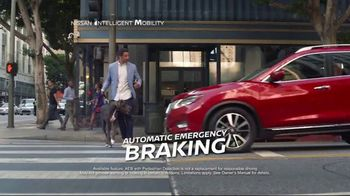 2017 Nissan Rogue Sport TV Spot, 'New Tricks' Song by Journey [T2] - Thumbnail 4