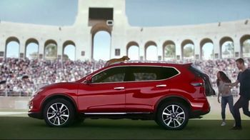 2017 Nissan Rogue Sport TV Spot, 'New Tricks' Song by Journey - Thumbnail 6