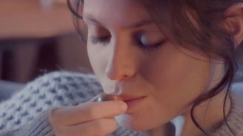 Lindt Lindor TV Spot, 'Take a Moment'