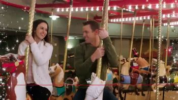 Hallmark Channel Countdown to Christmas Sweepstakes TV Spot, 'Win a Trip' - Thumbnail 4