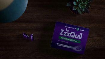 Vicks ZzzQuil LiquiCaps TV Spot, 'Fall Asleep Fast'