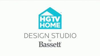 Bassett Anniversary Sale TV Spot, 'HGTV 2017 Makeover: Mariel & Brandt' - Thumbnail 6