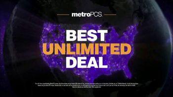 MetroPCS Unlimited 4G LTE TV Spot, 'Fan: Best Deal in Wireless' - Thumbnail 7