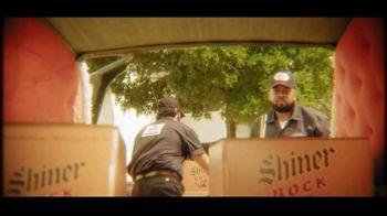 Shiner Bock TV Spot, 'Hearse' - Thumbnail 1