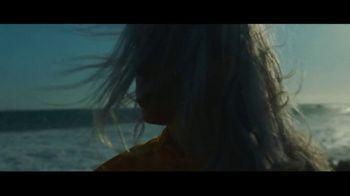 Apple Music TV Spot, 'Billie Eilish: Ocean Eyes' - Thumbnail 3