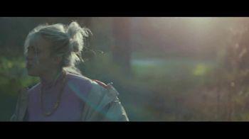 Apple Music TV Spot, 'Billie Eilish: Ocean Eyes' - Thumbnail 4