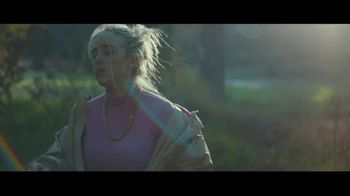 Apple Music TV Spot, 'Billie Eilish: Ocean Eyes' - Thumbnail 5